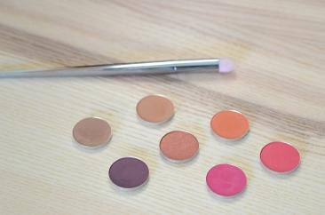 nyx hot singles eyeshadows pan